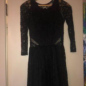 Abercrombie Black Lace Short Fit&Flare S